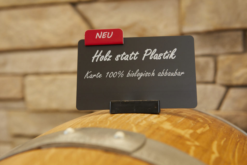 BlueCard: Holz statt Plastik