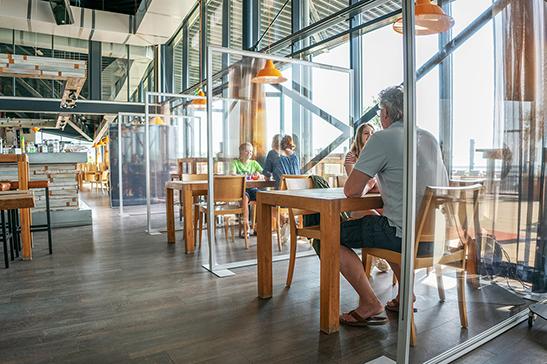 Spannrahmen-Trennwand-Light-Innenbereich-Restaurant